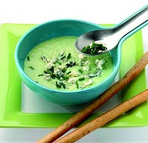 Chilled spring onion soup with blue cheese recipe using a blender