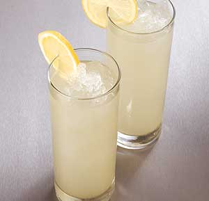 Homemade Lemonade recipe using a blender