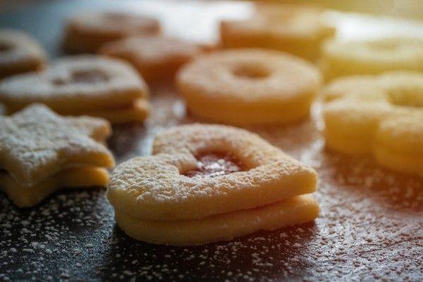 Jam tarts made from shortcrust pastry