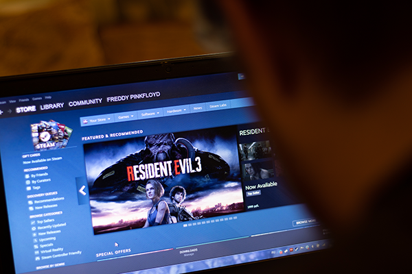 A person looking at Resident Evil 3 on Steam