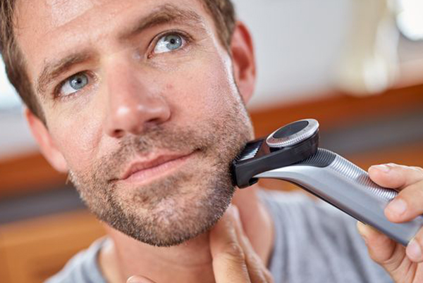Get a great shave with the PHILIPS OneBlade Pro