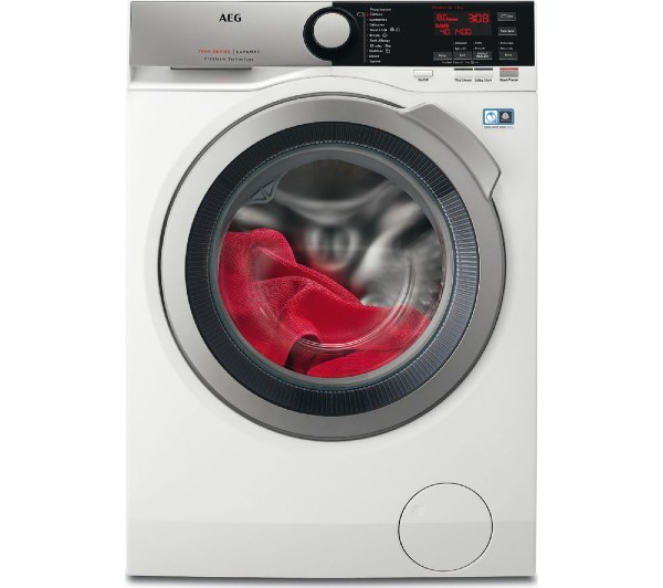 The AEG ProSteam L7FEE865R washing machine front-on